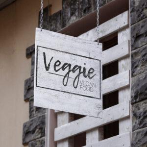 cartel-exterior-veggies